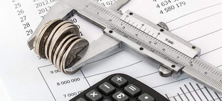 Calculating a budget. We offer moving estimates so you know how much you'll be paying Gowanus movers.