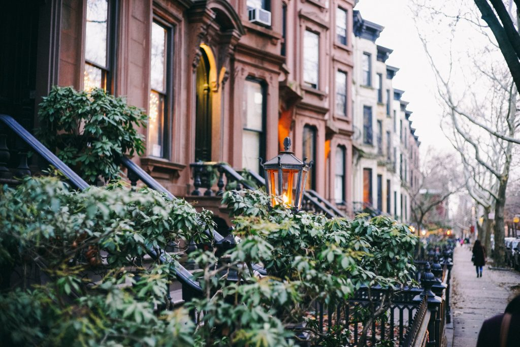 A Brooklyn neighborhood Carroll Gardens movers can help you move into.