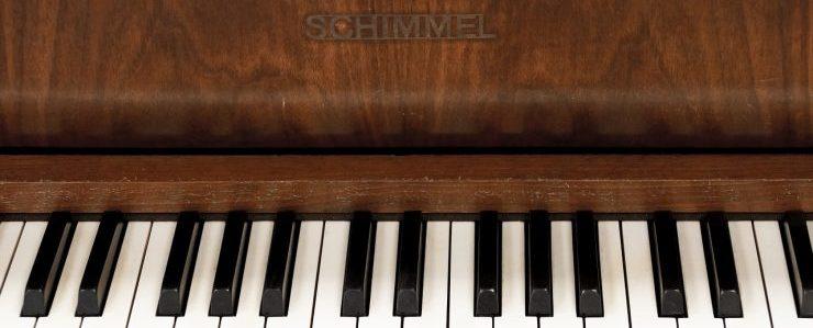 Schimmel piano keyboard